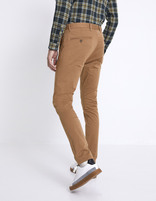 Chino skinny extensible - MOTALIA4_TERRABROWN - Vue de dos - Celio France